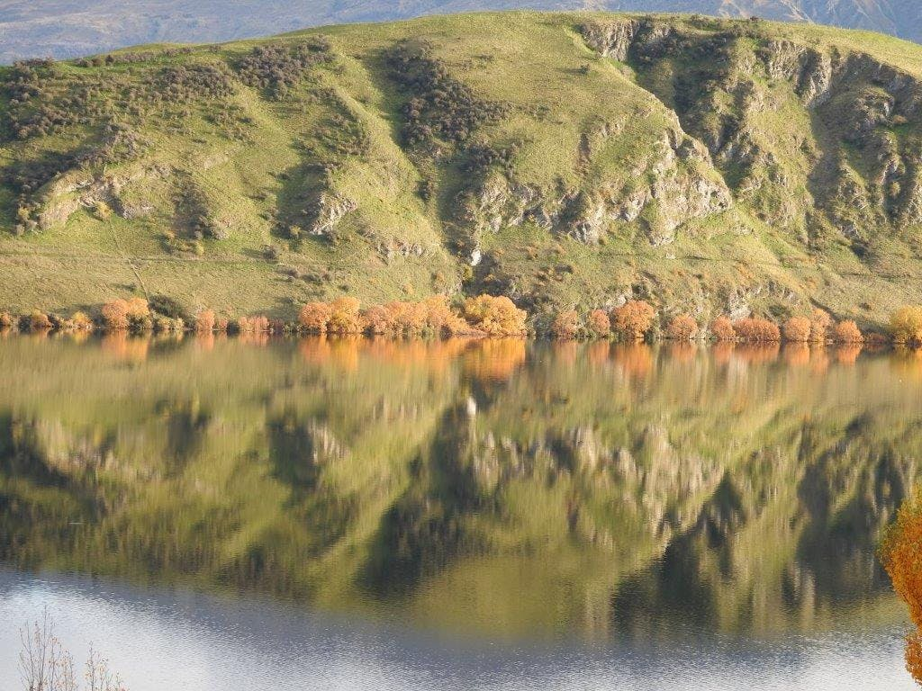 Lake Hayes like a mirror