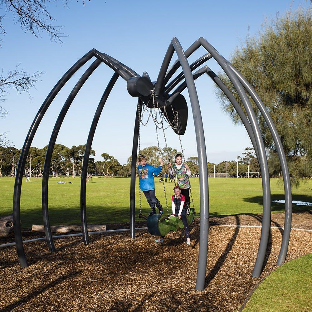 Spider Swing (Gerry McMahon, 2016)
