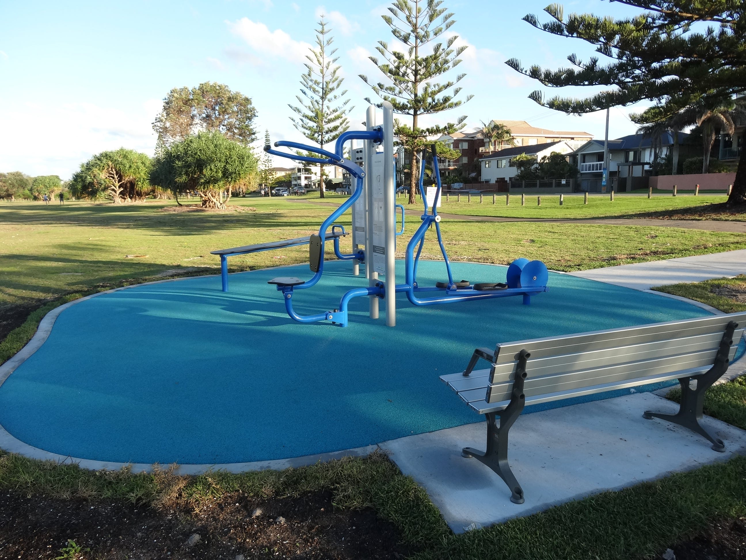Example of outdoor fitness equipment, Jack Bayliss Park (Kingscliff)