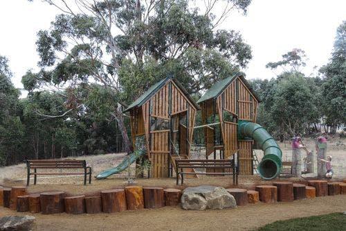Tolmans Hill playground Fort