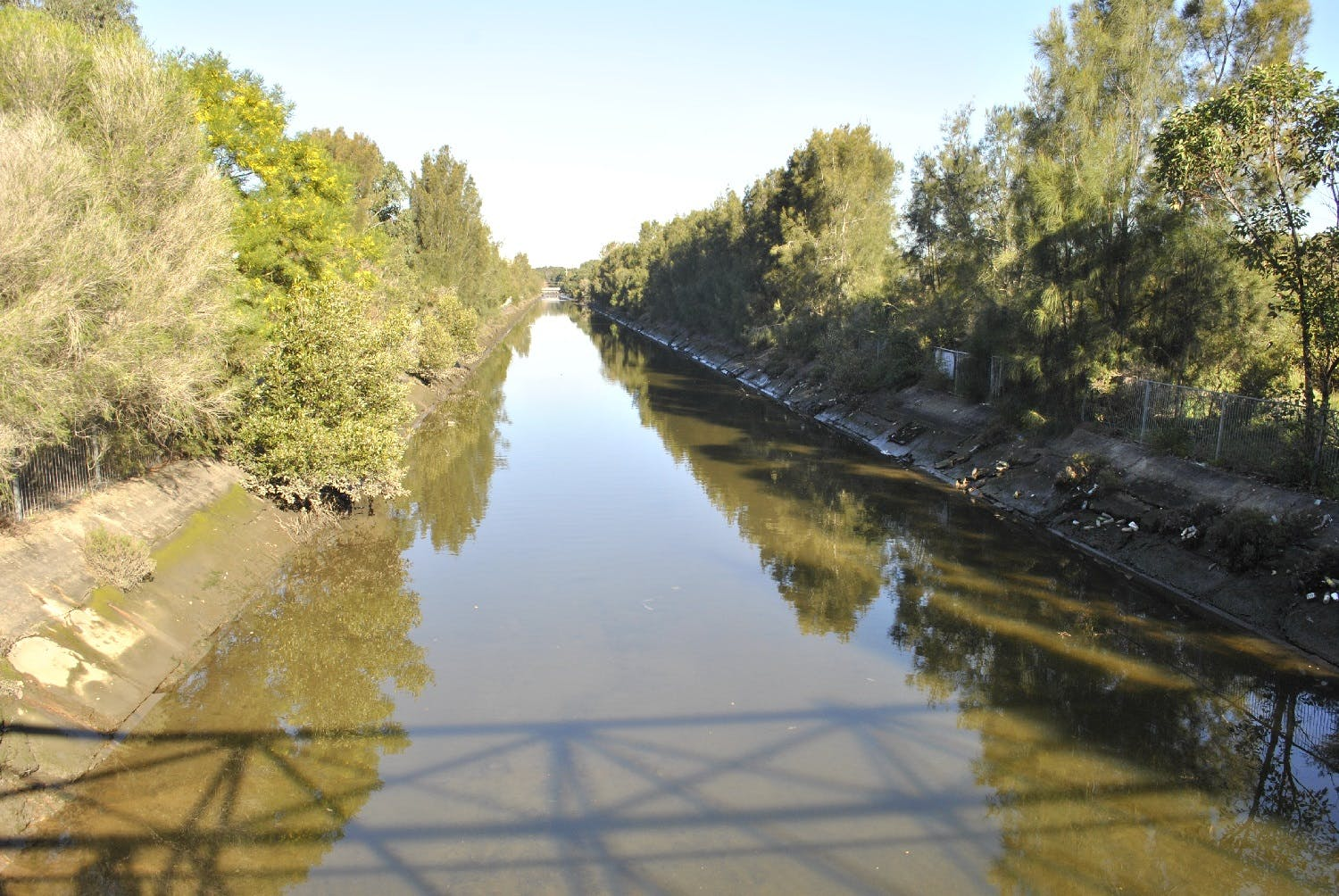 Old concrete banks along Powells Creek will be replaced with sandstone and local native plants (Photos Powells Creek)