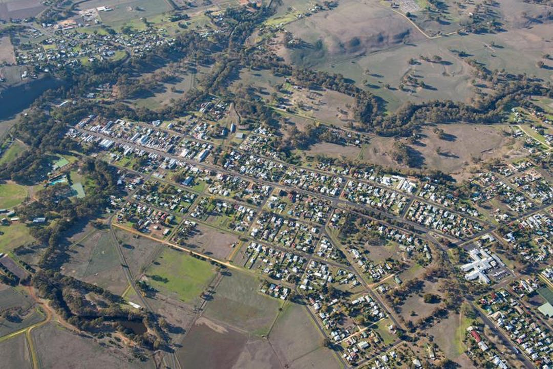 Aerial shot of Casterton township (2016)