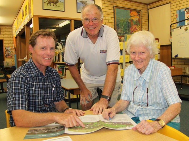 Council's Senior Design Engineer, Warren Boyd (left), outlines the Kingscliff Central Park concept plans to Kingscliff Residents and Ratepayer Association members Barb Fitzgibbon and Bruce Murray.