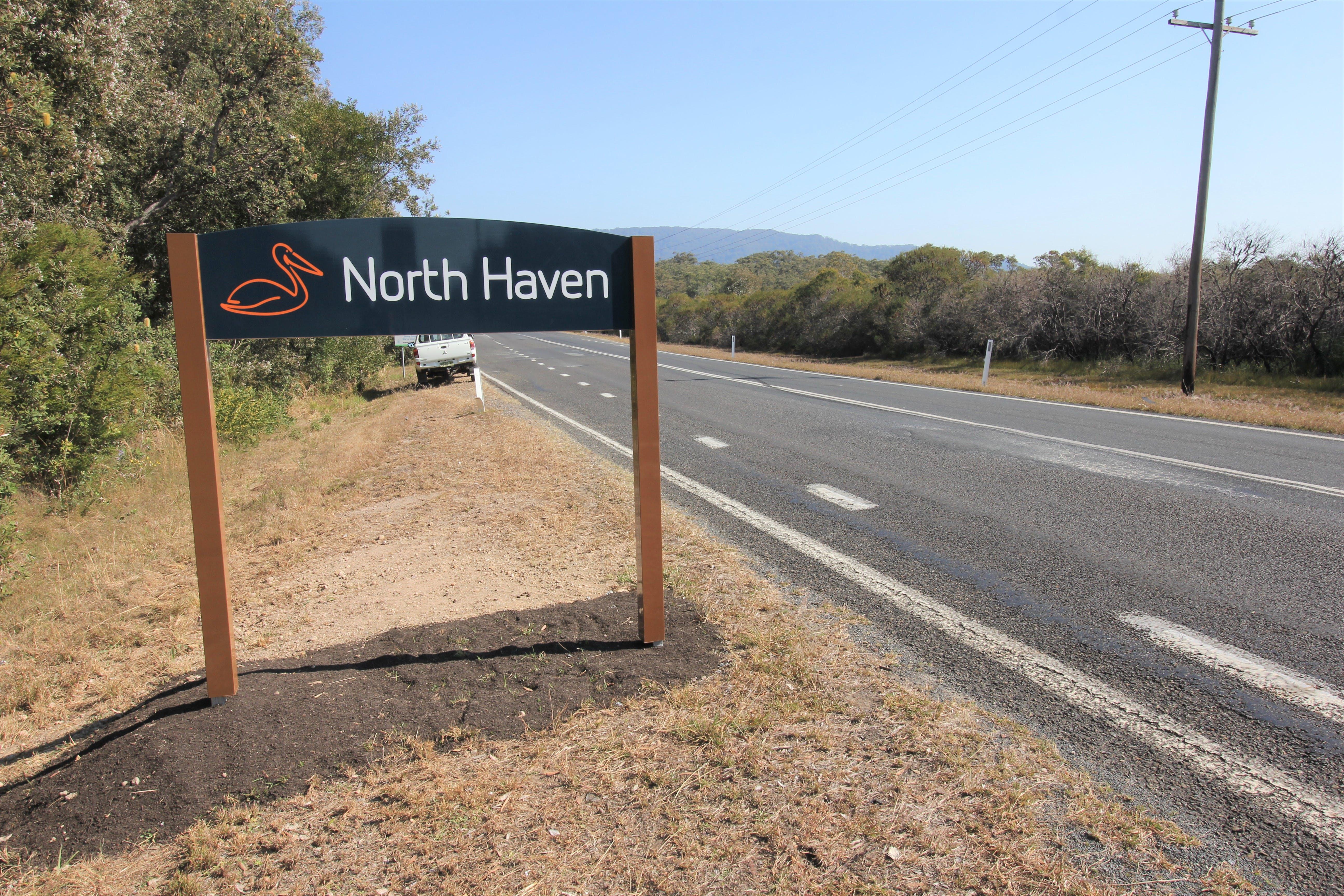 North Haven enrty sign