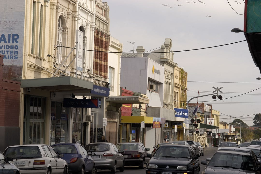 People streets yarraville 05  050233
