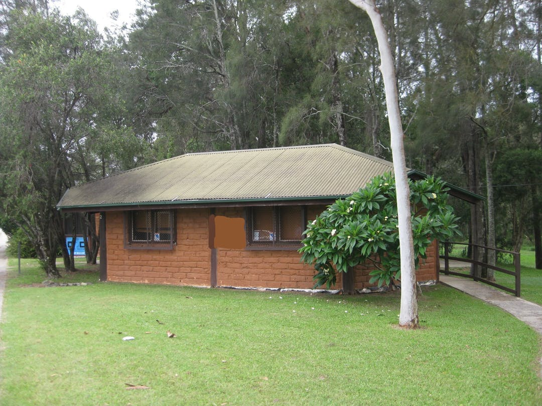Council is seeking expressions of interest from suitable community groups to enter into a licence for occupation of the Mud Brick Hut Bulidings in Duke Street, Coffs Harbour.  Only applicants conducting a community purpose enterprise should apply.
