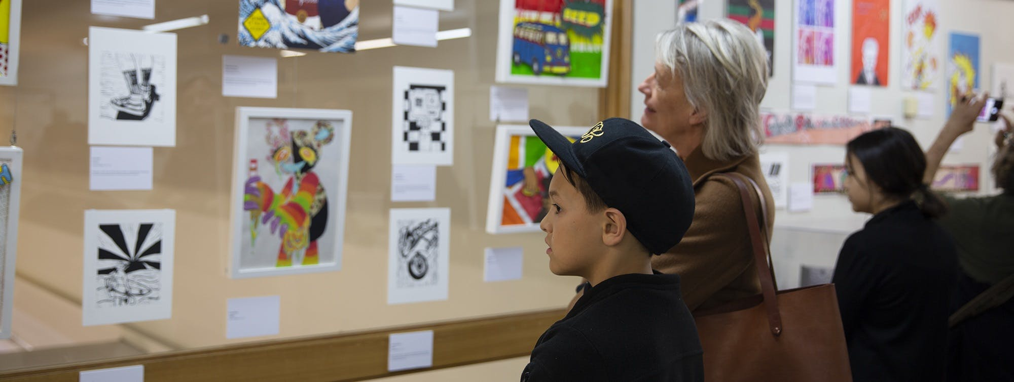 youth art prize 2019, family looking at artworks