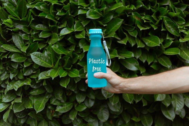 Reusable Water Bottle_Photo by Oleg Magni