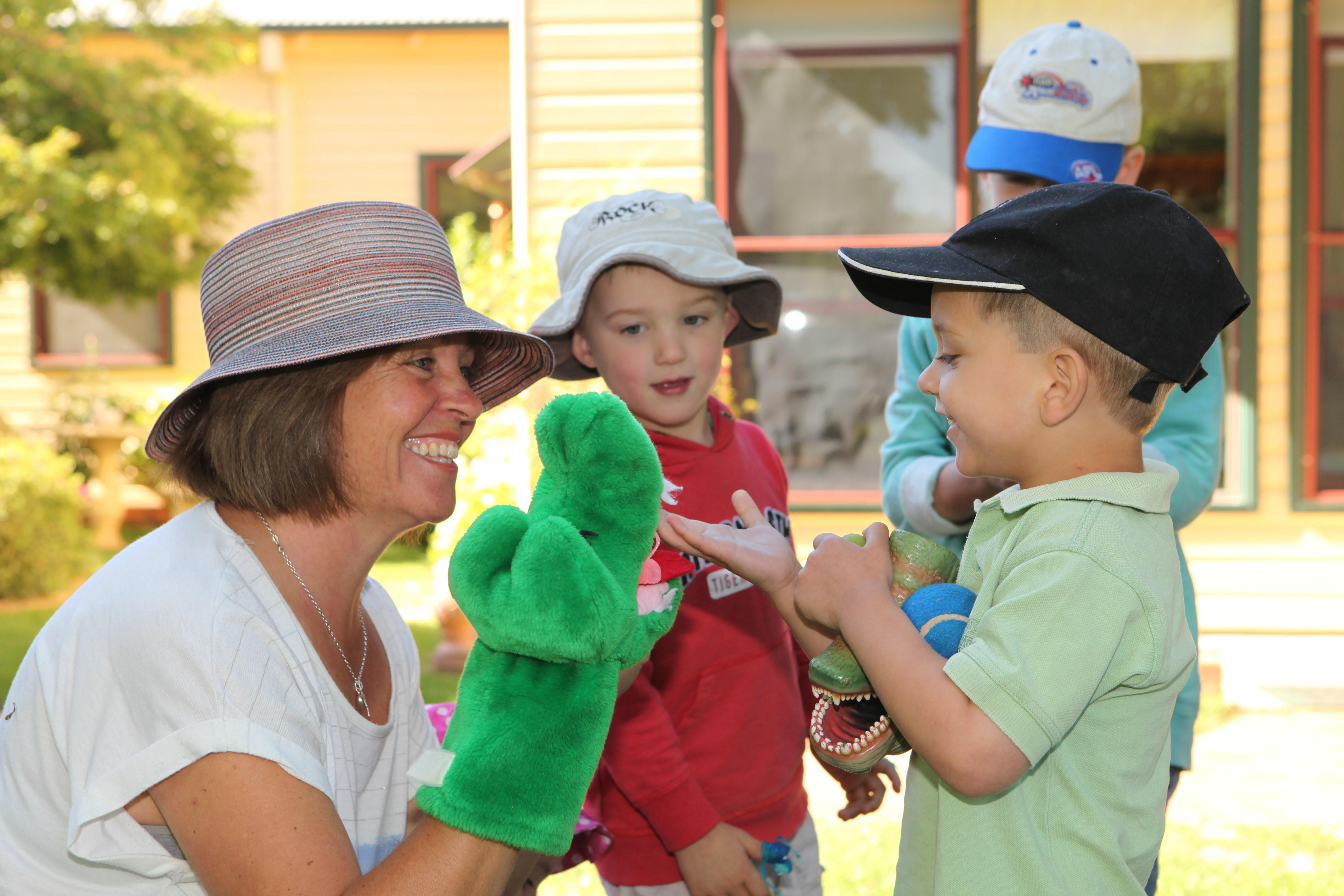 Image   Robyn   Child With Hand Puppet