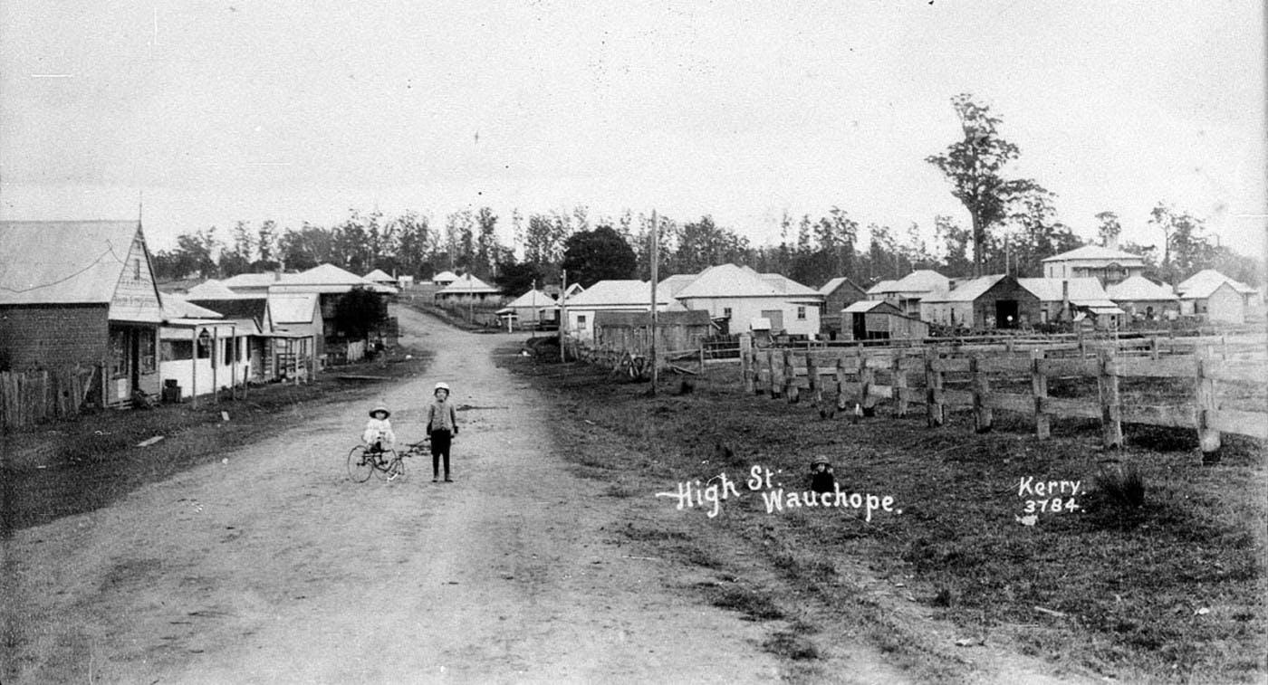 Wauchope - High St  c1905