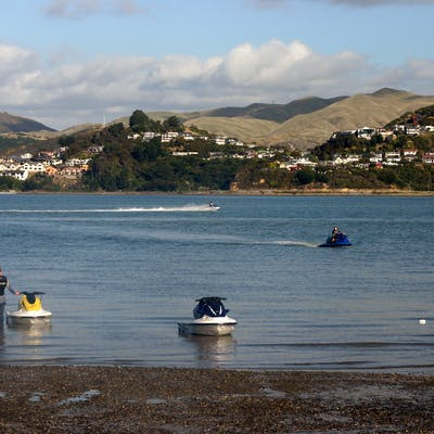 Pauatahanui Inlet At Ski Cub 12 Apr 2009 Jm