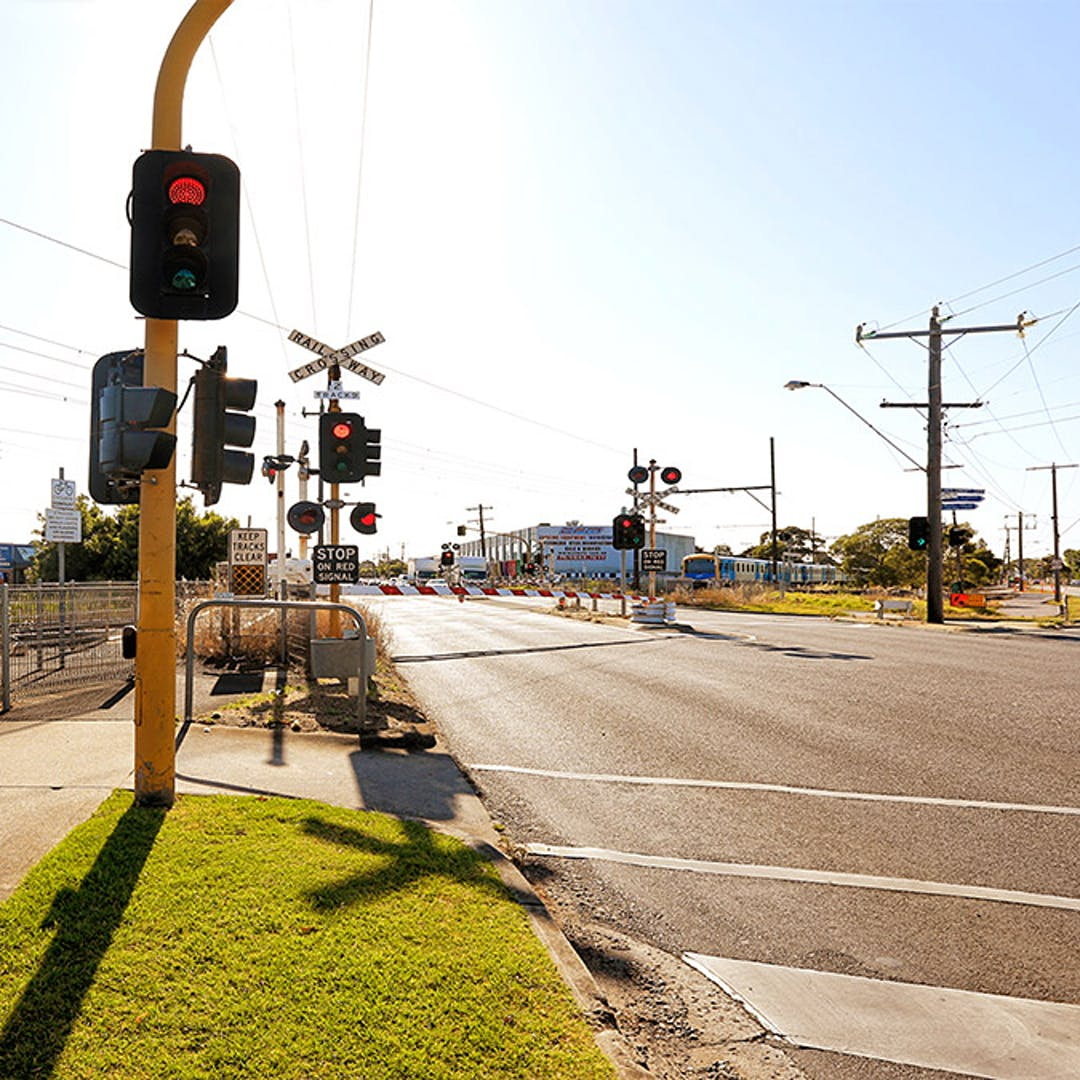 Centre road crossing