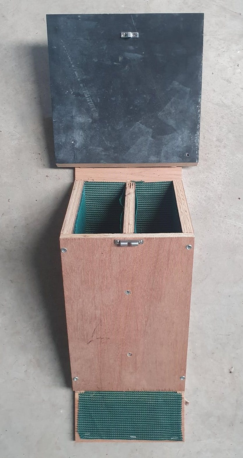 Undecorated Microbat Box with open lid