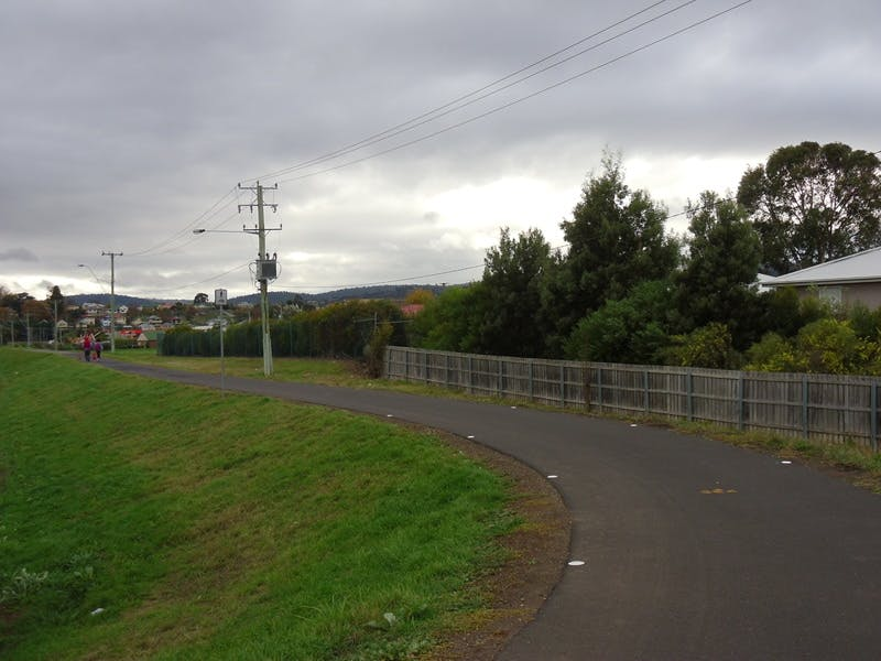 Mowbray Levee - recently upgraded pedestrian/cycling path