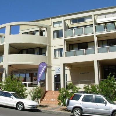 Shop Top Housing, Narrabeen
