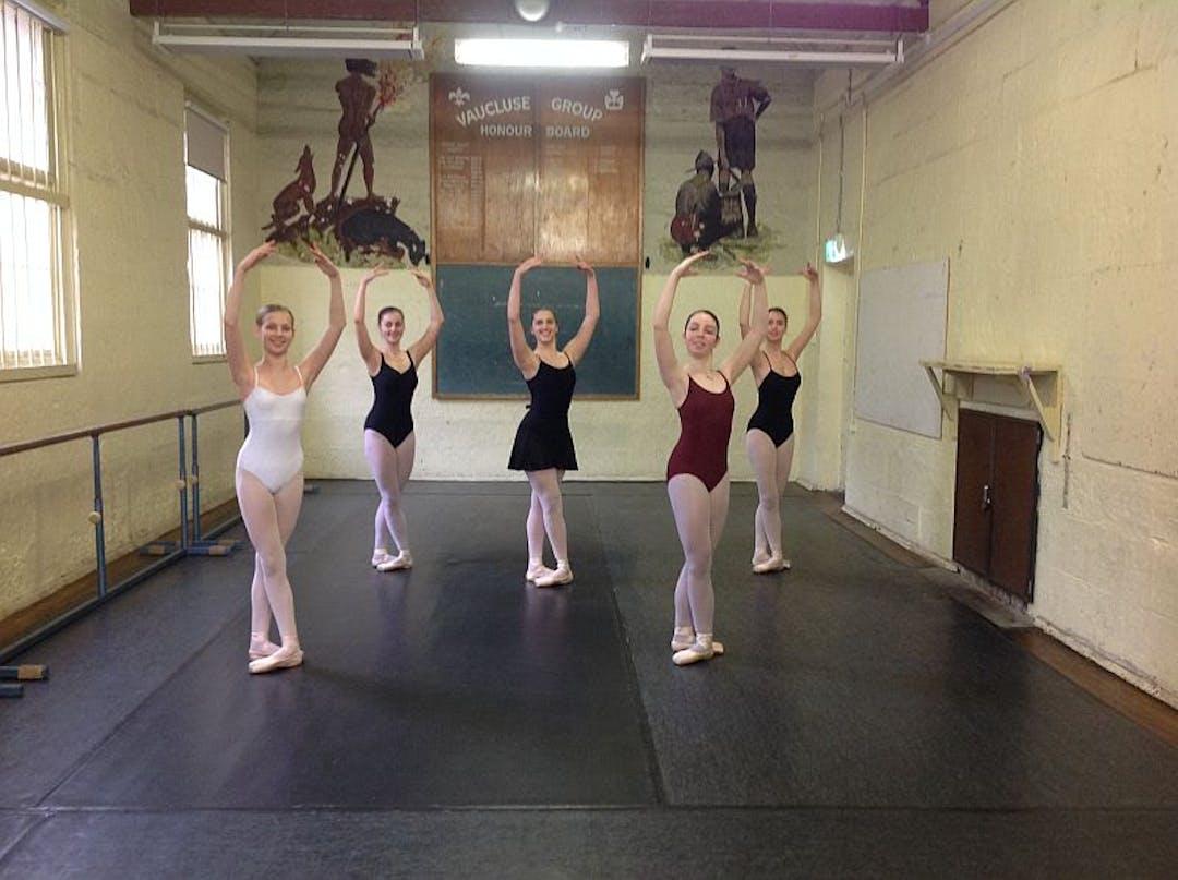 The gunyah   ballet class