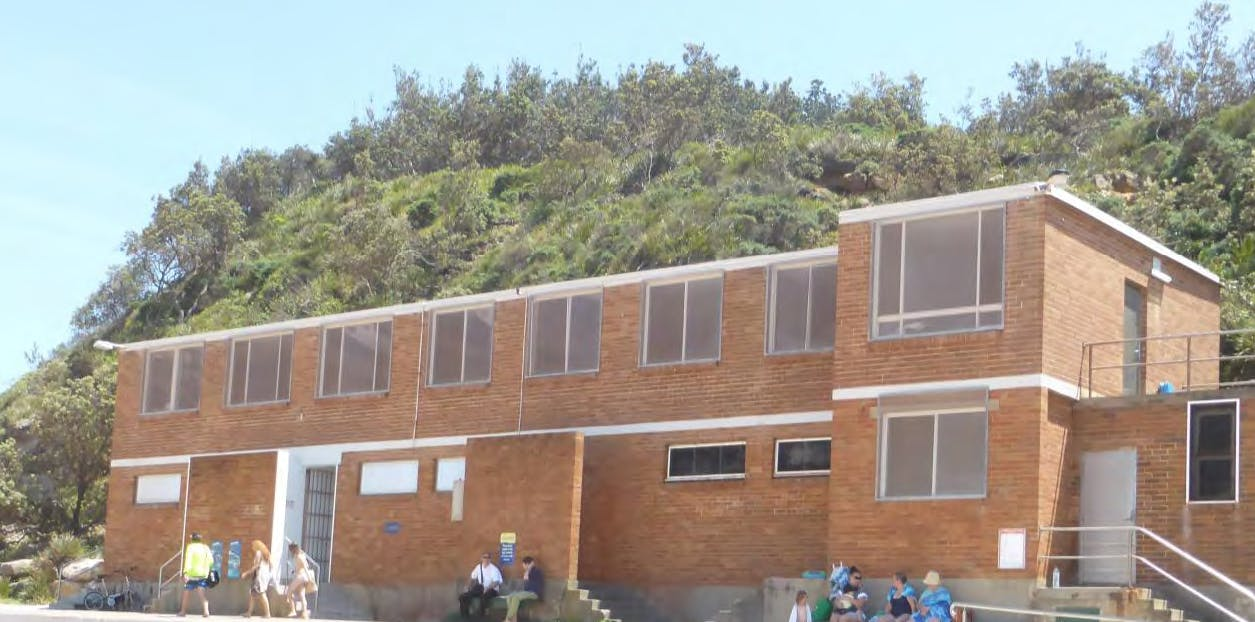 Amenities building located at North Narrabeen Rock Pool.