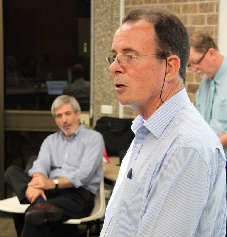 Tweed's Mayor, Councillor Kevin Skinner, speaks at the Tweed Heads community roundtable