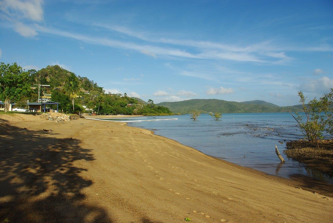 Cannonvale Beach