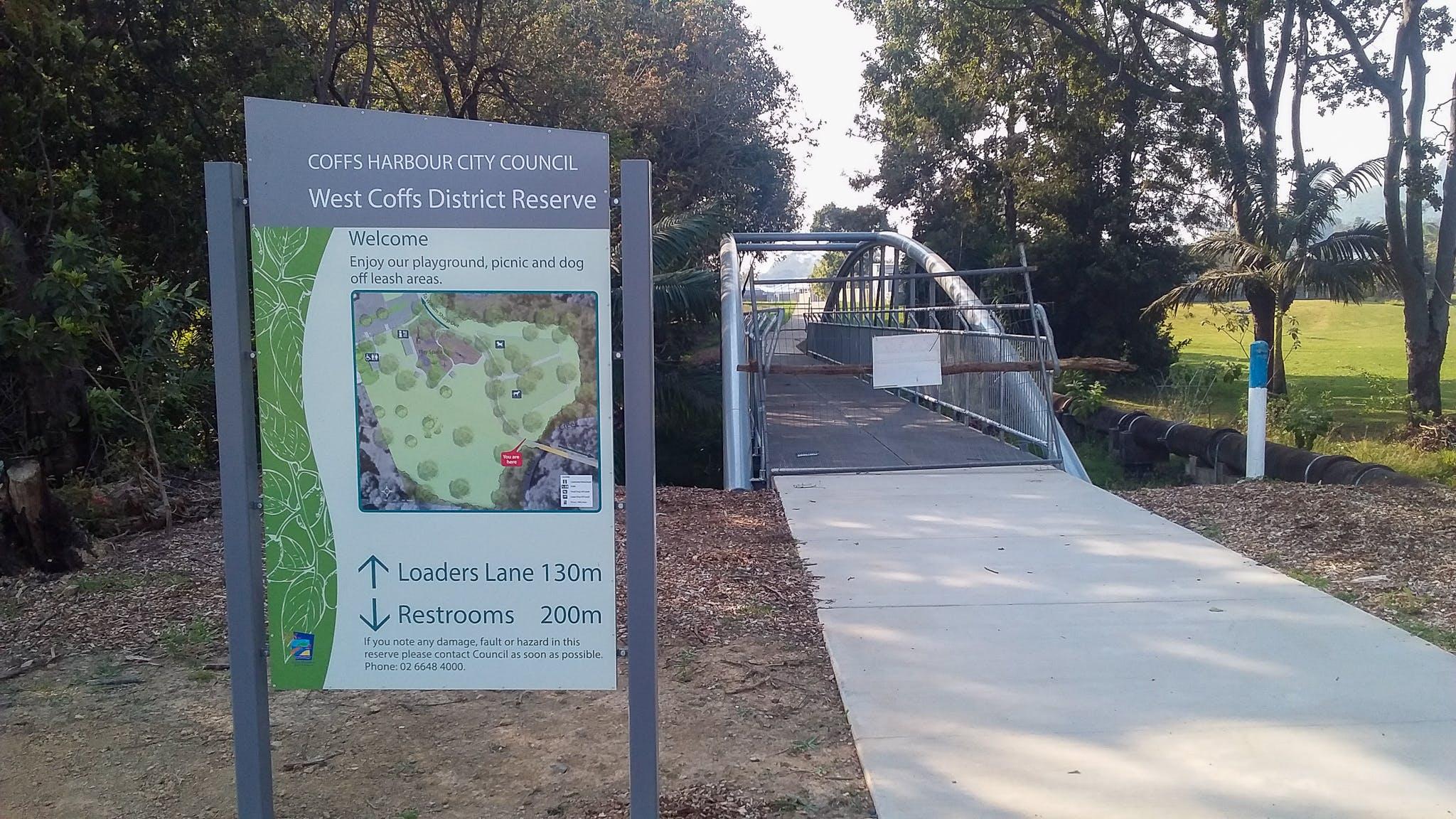 Cycleway/foot bridge entry