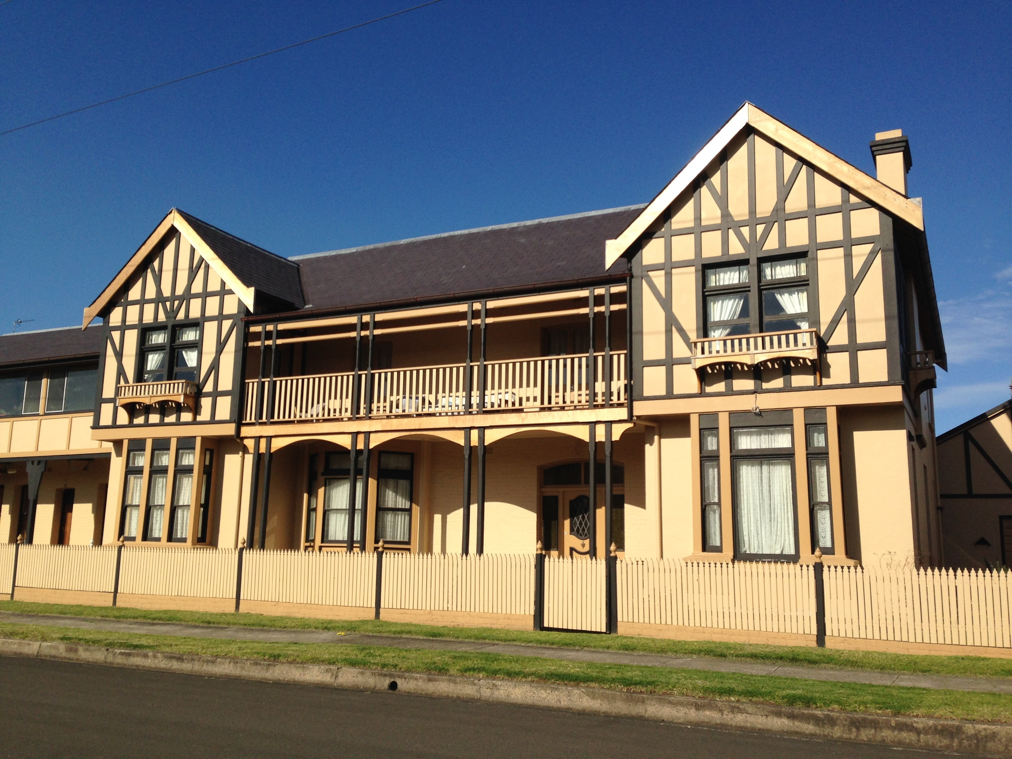 Restoration of the Illawarra Lake Hotel, Brownsville