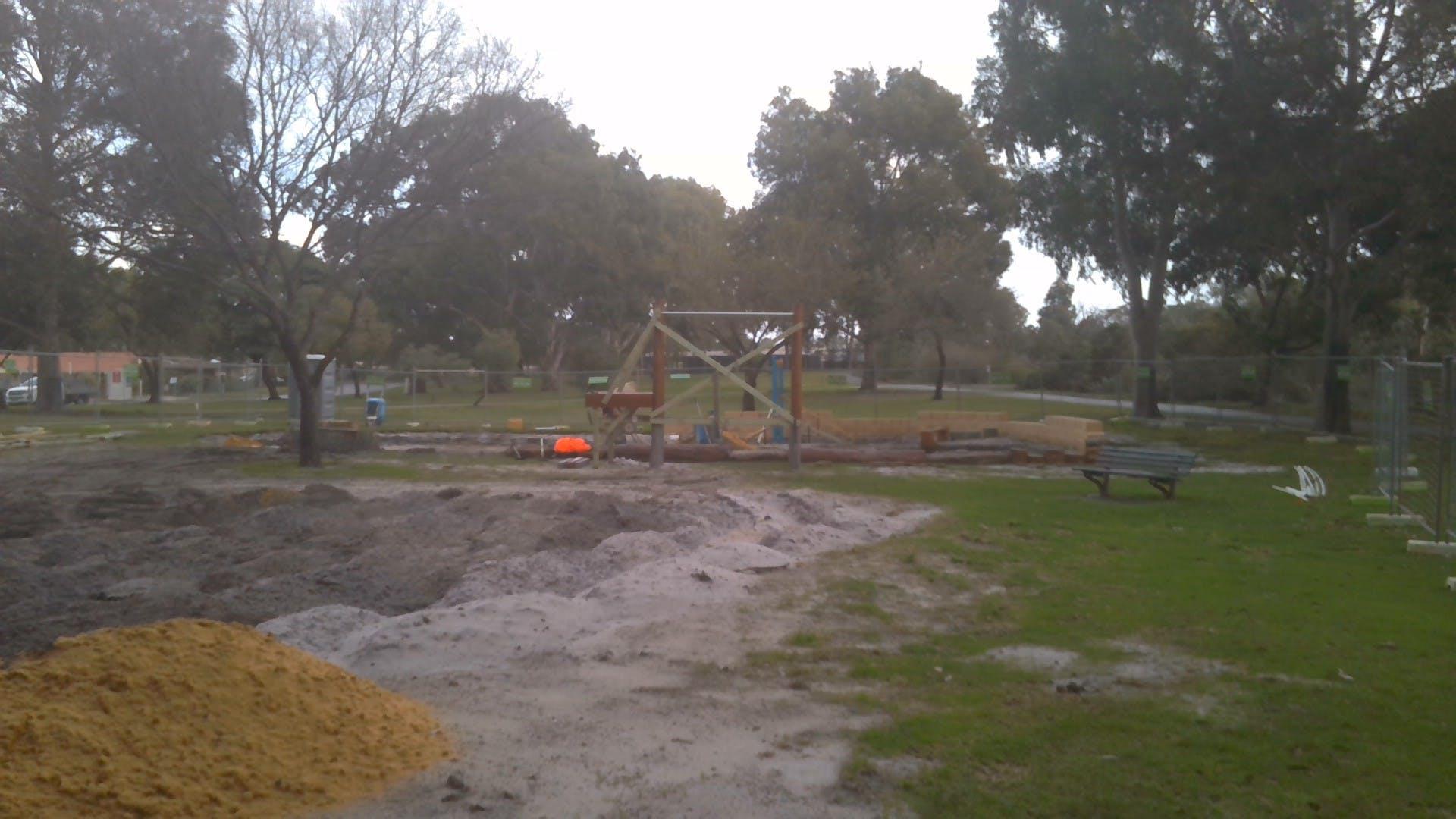 Kennon Park playground construction 7