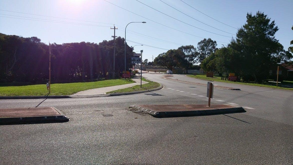 Bibra Drive/Hope Road Intersection.jpg