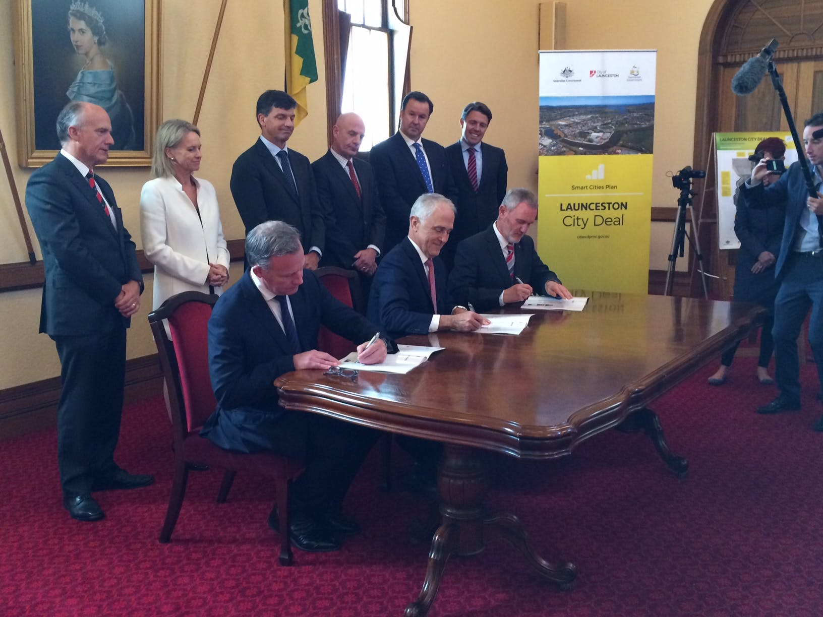 Leaders Signing The City Deal