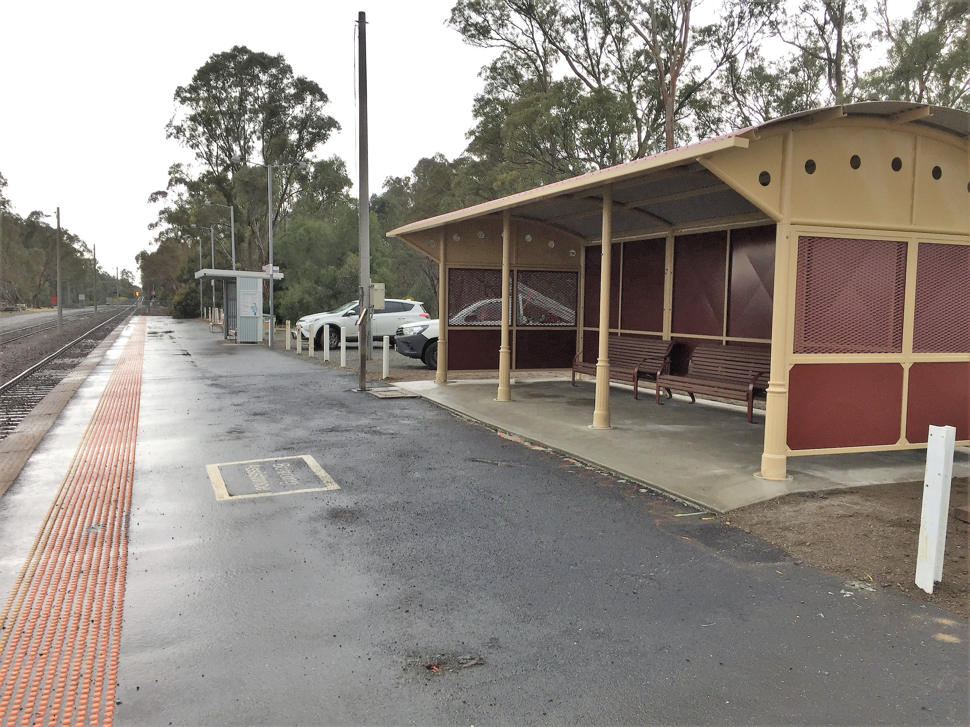 Mooroopna Station new shelter installed October 2018