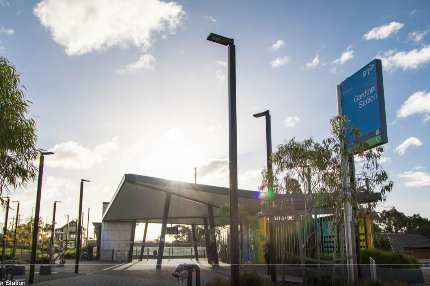 02 burke rd - Gardiner station.PNG