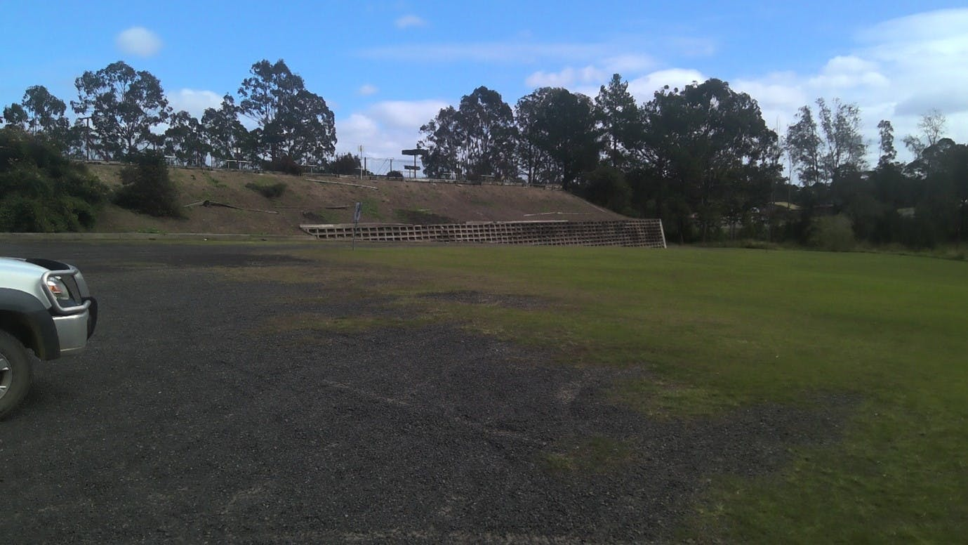 Looking from the carpark to the Western edge.jpg
