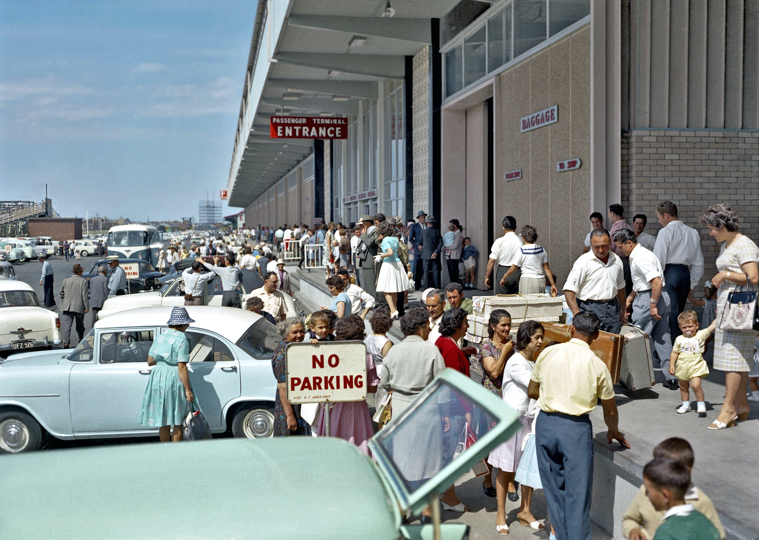 Migrants arrive at Fremantle 1962