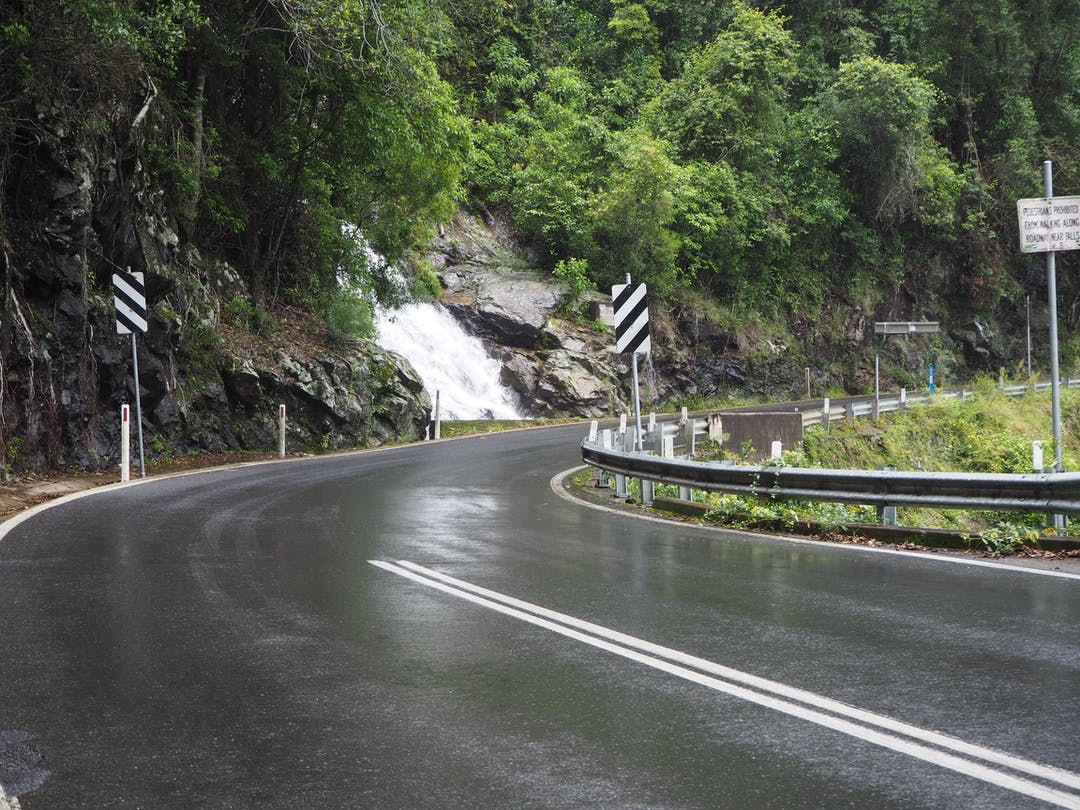 Waterfall Way is a picturesque 170km road stretching from Raleigh south of Coffs Harbour to Armidale in the New England region.