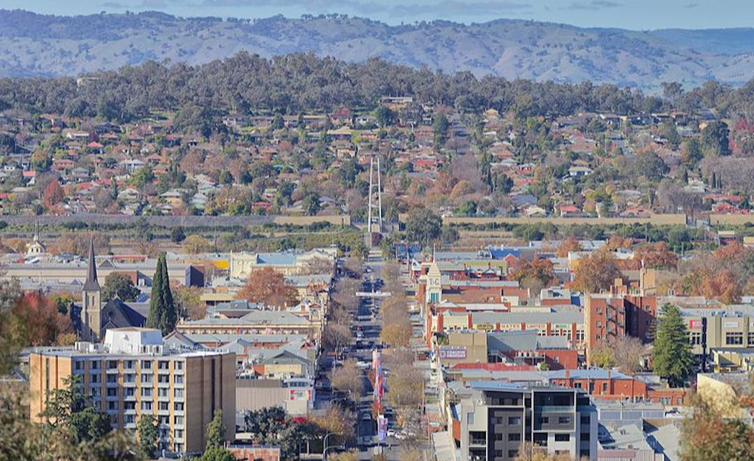 Panoramic view of Dean St, Albury, NSW, from Monument Hill.