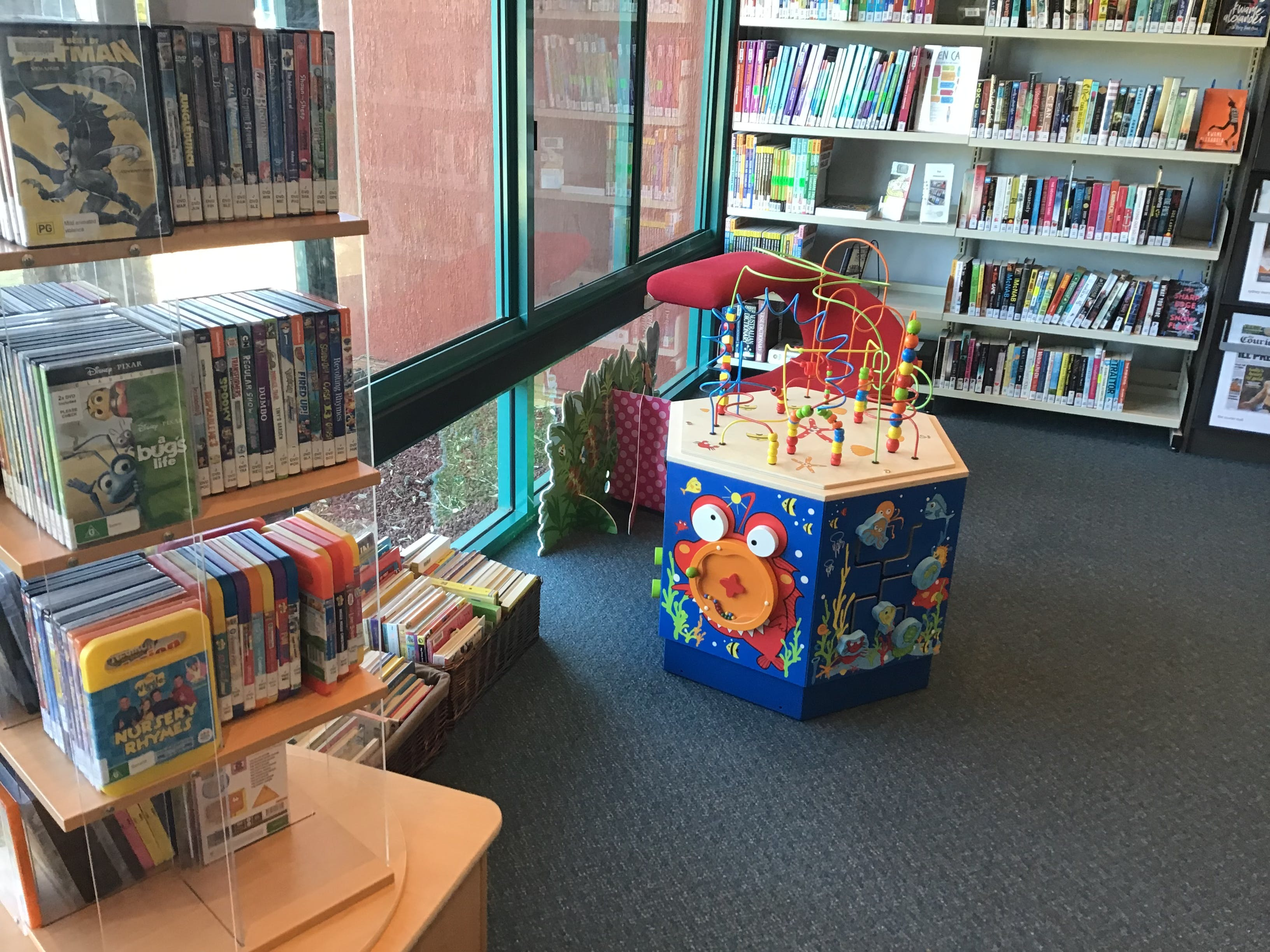 ILUKA - 2019 - library (32).JPG