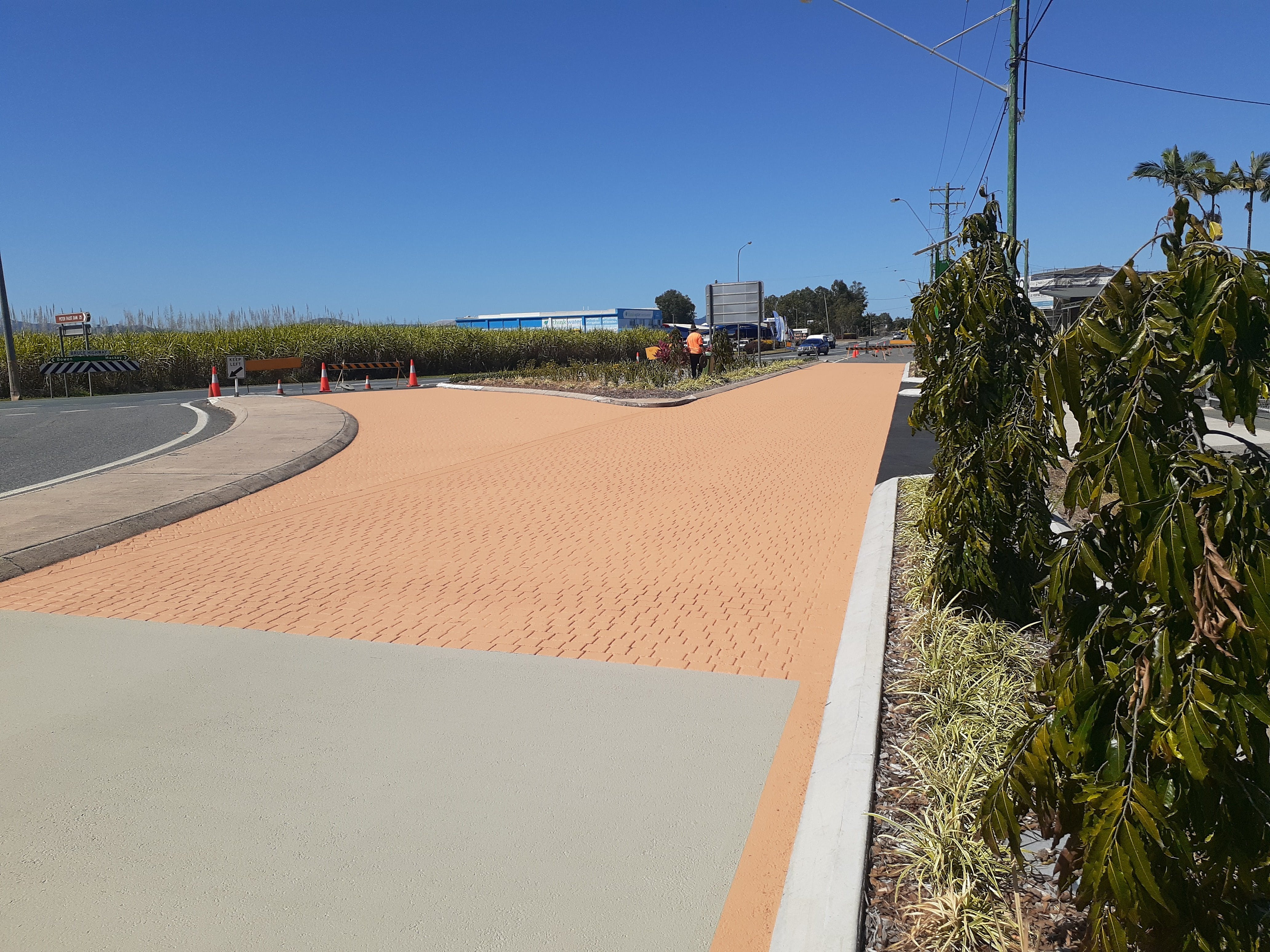 Street Bond near Bruce Highway.jpg