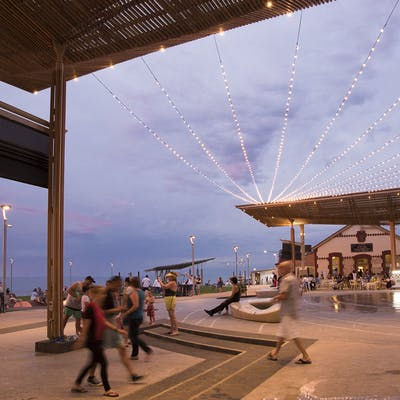 Henley Square 1