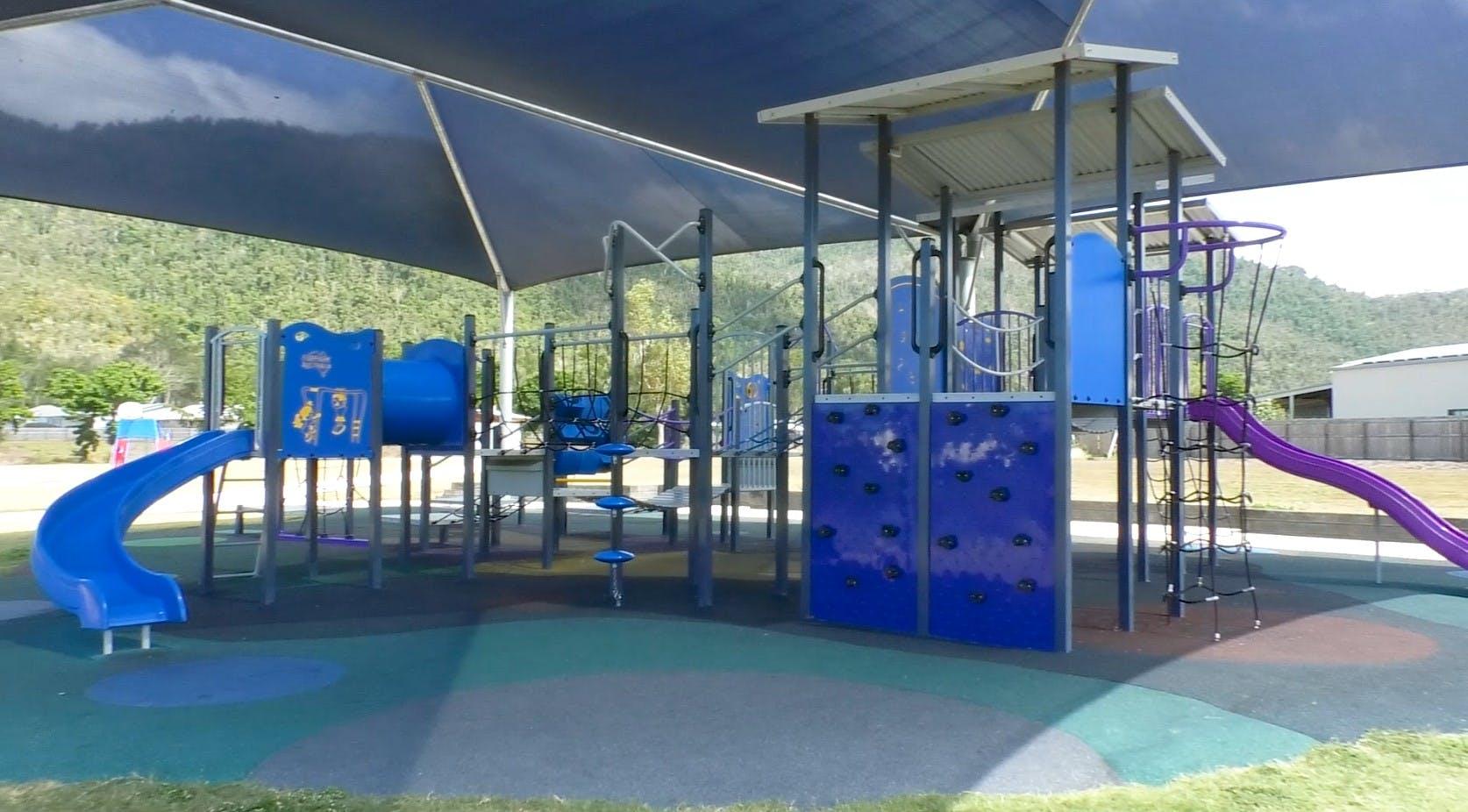Cannonvale Lakes playground.jpg