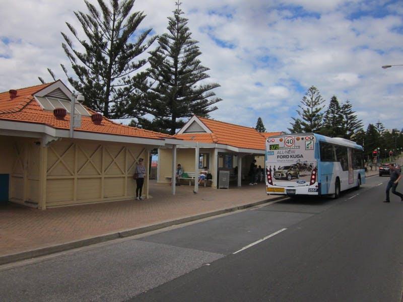 Bus shelter Arden Street