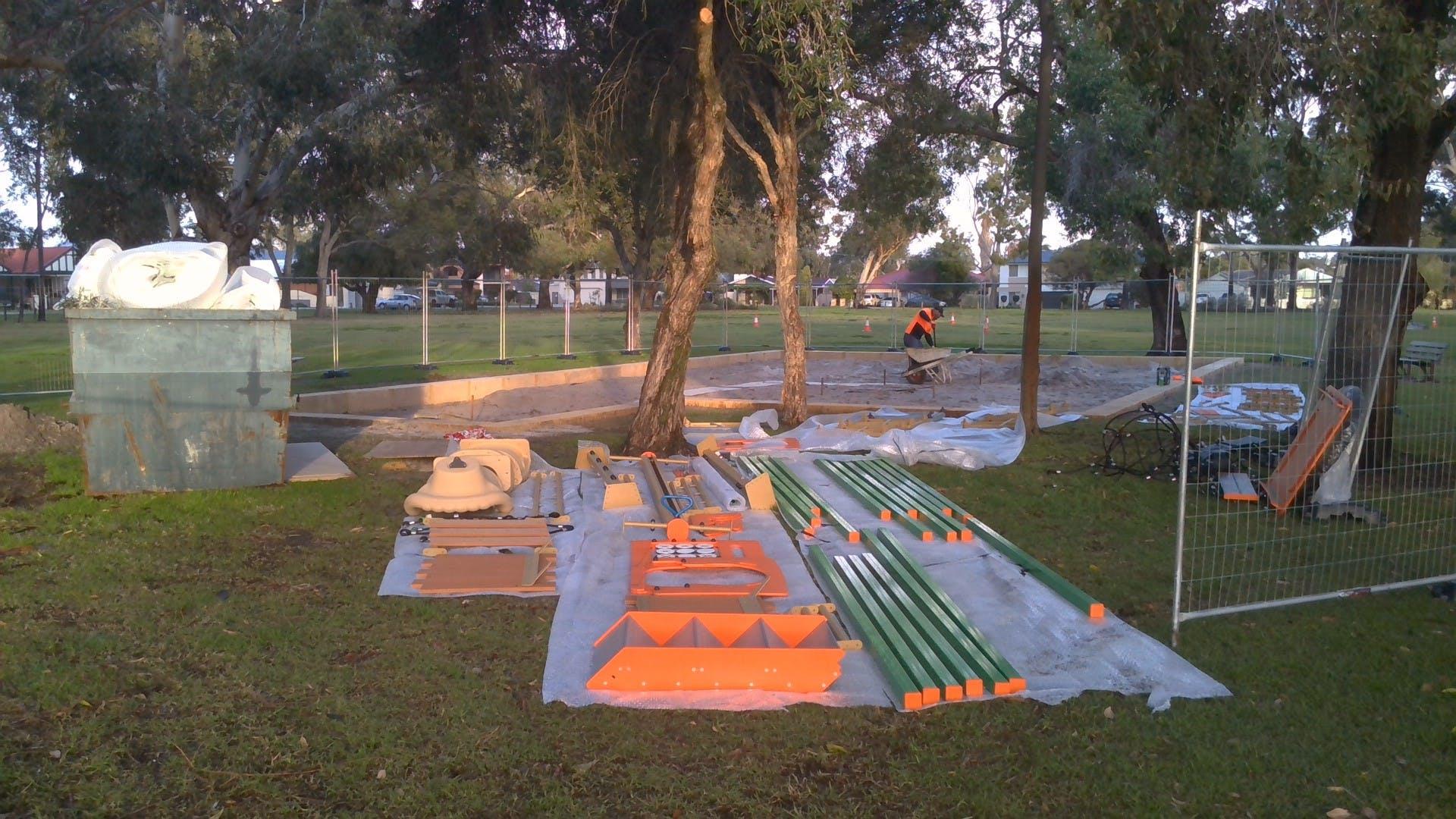 Montes Playground construction 2