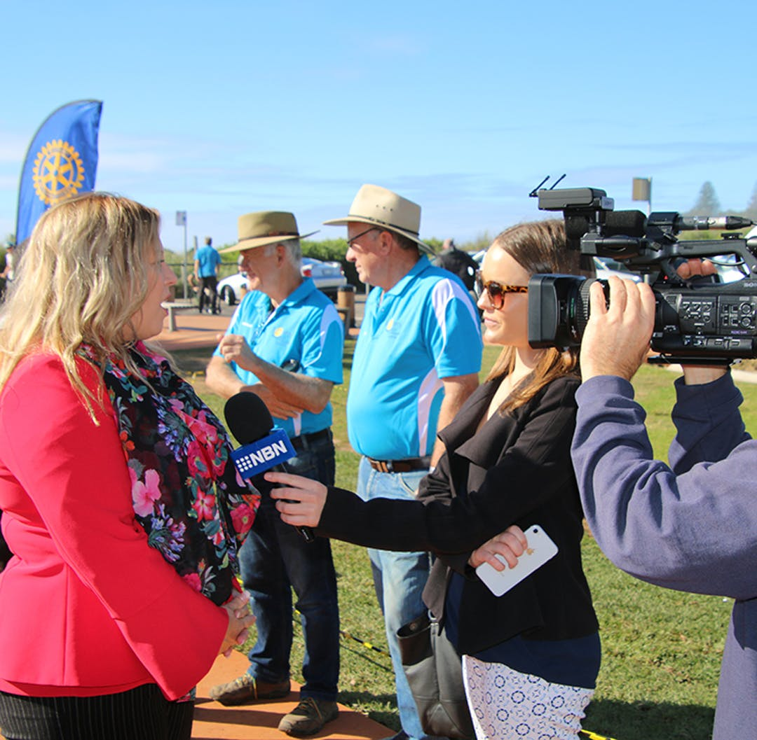 Media speaking with the Mayor