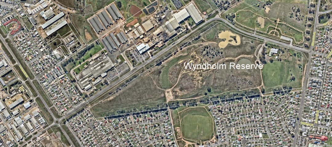 Wyndholm Reserve consists of 346.4m2 (85.6 acres) of land and is located to the north side of Wendouree, bordered by Ring Road and Gillies Street, and adjacent to the Wendouree West Recreation Reserve.
