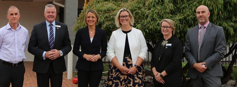 Visit HICC with (from left) Ashley McKinnon, Mayor Patrick Hall,   Hon Kristina Keneally, Hon Hannah Beazley,  Dr. Sarah McQuade and Warren  Bow April 2021.png