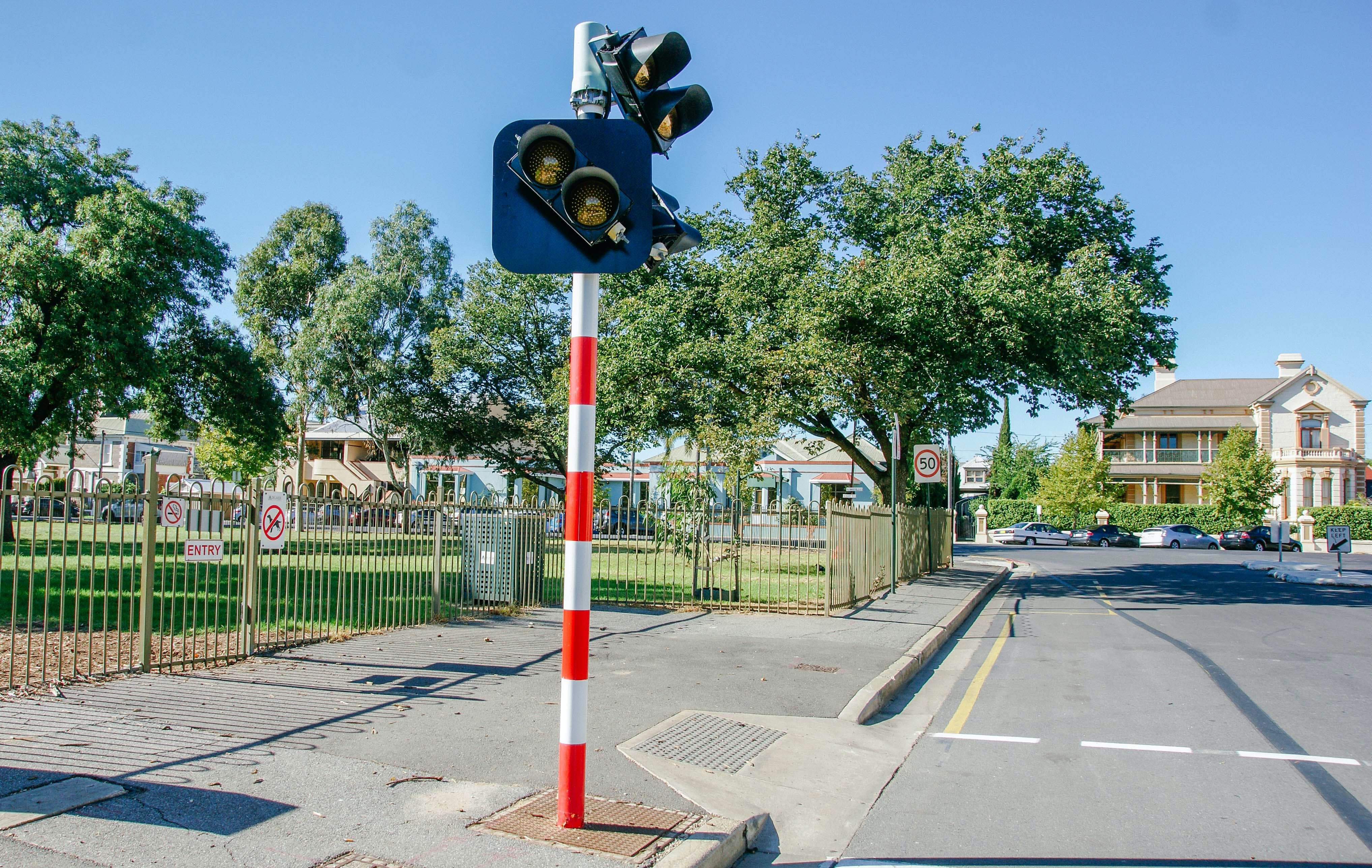 4. Existing View   Pedestrian Crossing On East Tce