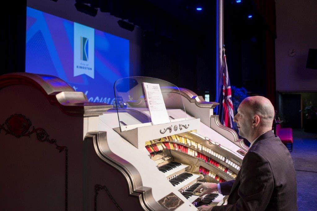 Wurlitzer Theatre Organ in action