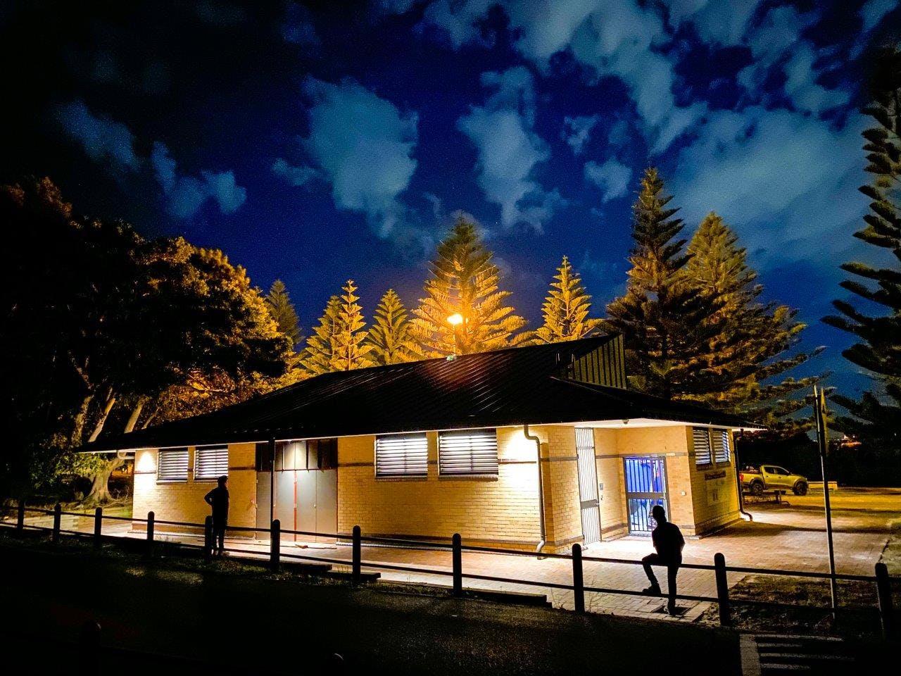 Yarra Bay amenities 2.jpg
