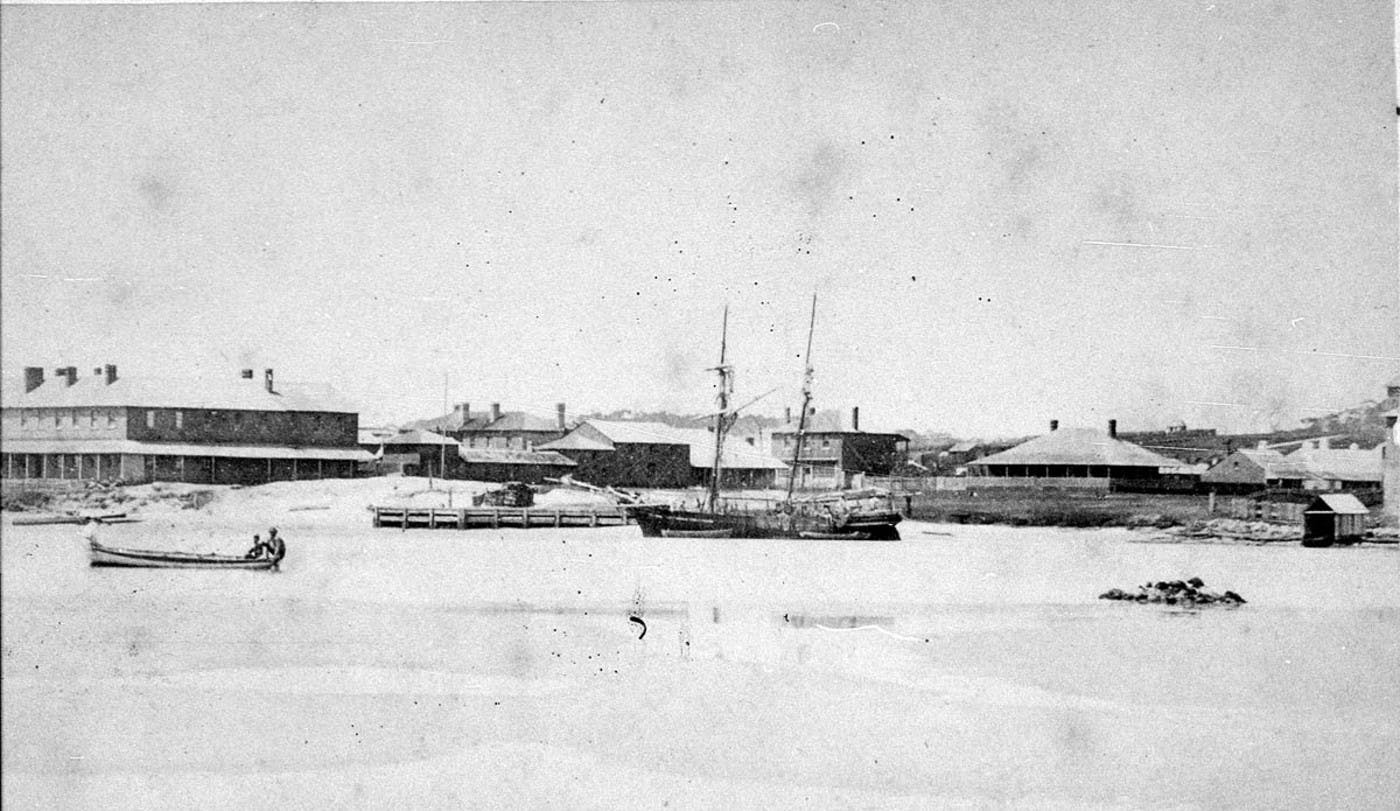 Port - 1870 - Old Royal Hotel Before it Burnt Down