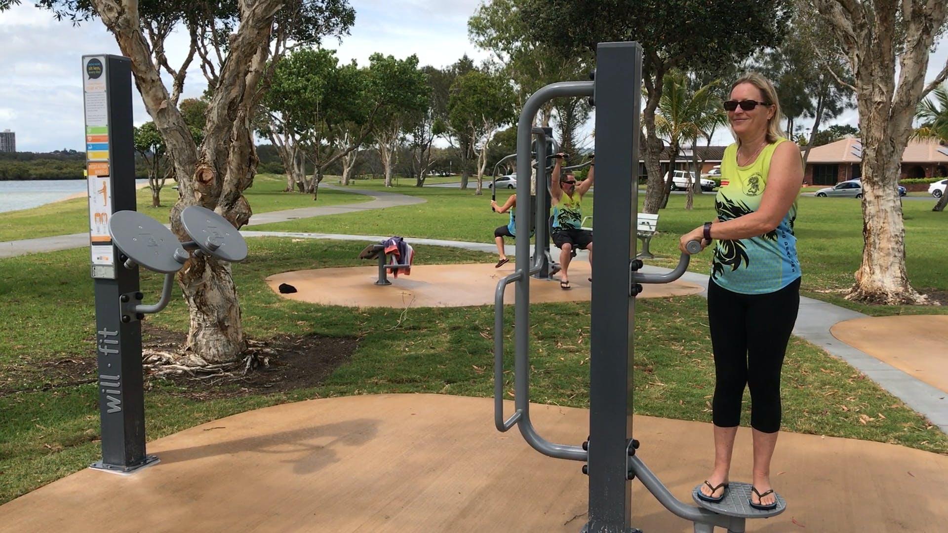 Example of outdoor fitness equipment, John Follent Park (Tweed Heads)