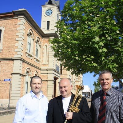 City of Mount Gambier Mayor, Steve Perryman with James Morrison and Mark Mc Shane outside the Old Town Hall. Photo Credit: The Border Watch