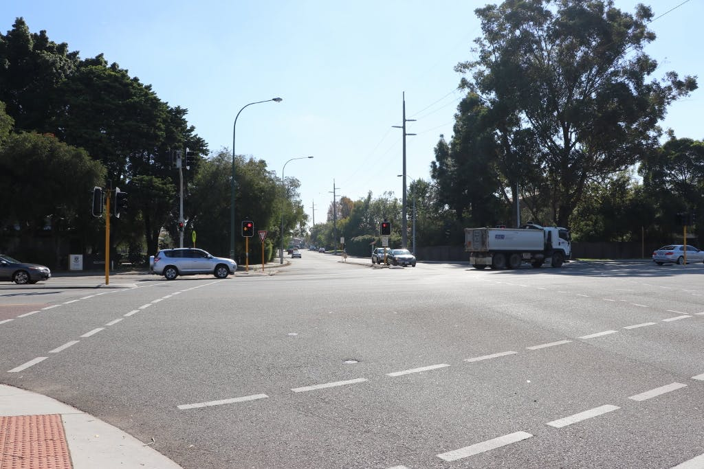 Hampden Road at Stirling Hwy intersection